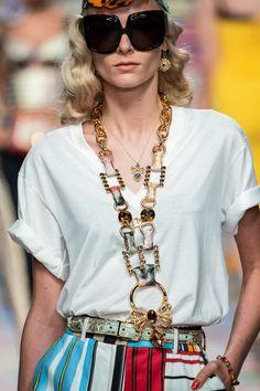 Dolce & Gabbana, London Fashion, New York Fashion, Fashion 2020, Fashion Details, Fashion Design, Fashion Trends, Sunnies, Spring Summer Trends