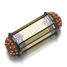 Art Deco Vanity Case by Cartier Compact, Bijoux Art Deco, Art Deco Vanity, Lipstick Holder, Lipstick Case, International Jewelry, Gold Box, Lavender Blue, Vintage Vanity