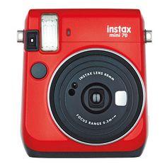フジフイルムチェキカメラ インスタントカメラチェキ70カメラ「instax mini 70」 使用フィルム 富士フイルム インスタントカラーフィルム instax mini(別売) フィルムサイズ 86mm×54mm 画面サイズ 62mm×46mm 電源 リチウム電池 CR2 2本撮影可能パック数:約40パック(メーカー試験条件による) 同梱品 ハンドストラップ、ストラップリング、保証書、撮影ガイド、リチウム電池 CR2 2本 大きさ・重さ 113.7mm×99.2mm×53.2mm、 281g(電池、ストラップ、フィルム別)