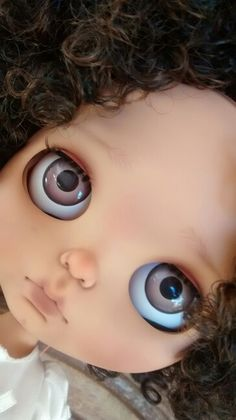 Blythe Doll... another media cache pin... where do they all come from?? Oh, but I love these eyechips!!!