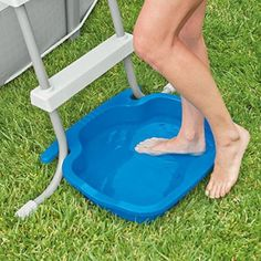 Cut down on your pool cleaning with the Intex Pool Foot Bath. Intex Pool Foot Bath for Pools. Easily connects to all Intex ladders. Anti-slip bottom designed for safety. or Other as the topic to avoid inadvertently opening a case. Piscina Intex, Piscina Diy, Ideas De Piscina, Above Ground Pool Landscaping, Above Ground Pool Decks, Backyard Pool Landscaping, In Ground Pools, Landscaping Ideas, Above Ground Swimming Pools