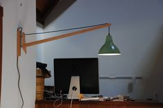 A method to turn the ikea FOTO pendant lamp into a pivoting wall lamp. House Essentials, Ikea Lamp, Diy Dining Table, Ikea Hackers, Electrical Fittings, Wall Lights, Ceiling Lights, Lamp Design, Design Design