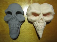 These are the Skulls i did for my Alice Madness Returns Cosplays. The first one is for the classic dress (blue) i`m making and the second is from my Royal suit. I`m very proud to be the creator and. Alice Cosplay, Cosplay Diy, Cosplay Ideas, Wonderland Party, Alice In Wonderland, Halloween Kostüm, Halloween Costumes, Cheerleading Photos, Alice Liddell