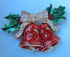 VINTAGE CHRISTMAS DOUBLE BELL HOLLY BERRY ENAMEL RHINESTONE PAVE CRYSTAL BROOCH