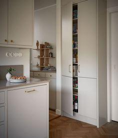 Marbodal Arkitekt plus beige Tall Cabinet Storage, Locker Storage, Lockers, Sweet Home, Beige, Kitchen Inspiration, Furniture, Home Decor, Decoration Home