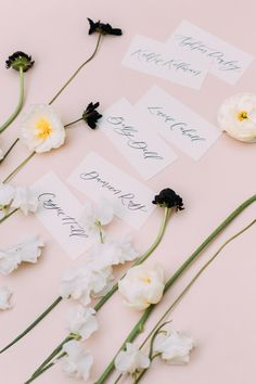 """From the editorial """"High Fashion Opulence At The Crosby Club."""" You don't want to miss the exceptional floral arrangements by @julepbloomdesign in the prettiest shades of white, blush, and deep purple! 