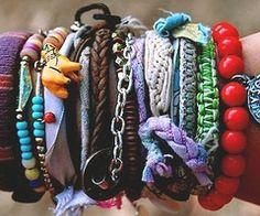 i like the look of layered bracelets , very boho chic kinda look Bohemian Bracelets, Love Bracelets, Friendship Bracelets, Beaded Bracelets, Colorful Bracelets, Summer Bracelets, Bangles, Layered Bracelets, Making Bracelets