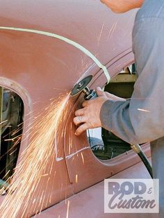 Check out Bill Hines and his 1951 Mercury as it the roof gets a custom chop the old school way inside Rod & Custom Magazine. Auto Body Work, Mercedes W126, Amc Gremlin, Cb 500, Custom Metal Fabrication, Metal Shaping, Mercury Cars, Amazing Cars, Hot Cars