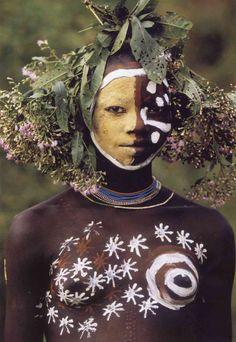 A beleza das Tribos Surma e Mursi, uma cultura em perigo, no sul de Etiópia 06