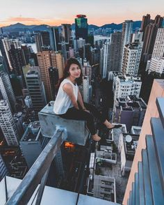 Nicholas Ku is a talented self-taught photographer, retoucher, drone pilot and urban explorer currently based in Hong Kong, a bustling city with the most skyscrapers in the world. Pictures Images, Girl Pictures, G Photos, British Hong Kong, Human Poses Reference, Strange Photos, Selfies, Girl Photo Poses, Parkour