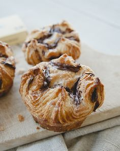 CHOCOLATE KOUIGN AMA