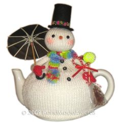 NOTE: You will receive the PATTERN to make your own toy NOT the finished toy! What a lovely tea cosy! What a beautiful Snowman with umbrella! measurements Snowman without hat tall cm Max teapot diameter cm The snowman wears a cute umbrella made with a Tea Cosy Knitting Pattern, Tea Cosy Pattern, Knitting Patterns, Christmas Tea, Christmas Snowman, Christmas Crafts, Grannies Crochet, Crochet Potholders, Knitted Tea Cosies