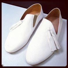#slippers #atelierdosapato #shoes #leather #white #pompoms #boyish #france @ Matières à réflexion