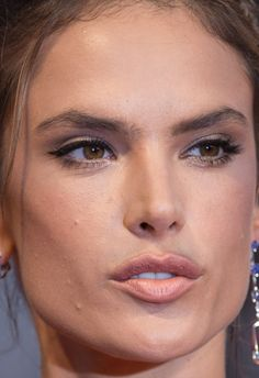 Alessandra ambrosio close ups duly answer