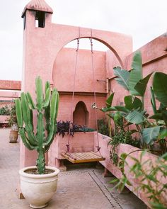 MARRAKECH, MOROCCO - Riad Jardin Secret (pink rooftop, offers a great view and serves vegan + vegetarian meals w/ the finest ingredients from local farmers) Le Riad, Riad Marrakech, Traditional Decor, Interior Exterior, Interior Garden, Exterior Design, Pretty In Pink, Outdoor Living, Beautiful Places