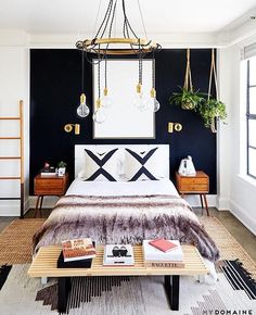 Some fall favorites on the blog today! This bedroom  Image via @mydomaine Design @jdpinteriors  @jennapeffley
