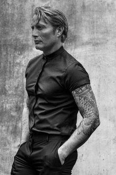 The sexy Hannibal Mads Mikkelsen, Marlon Brando, Steve Mcqueen, Gorgeous Men, Beautiful People, Tatto Design, Hannibal Lecter, Anthony Hopkins, Hugh Dancy