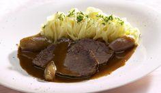 Rotwein-Schalotten, ein bisschen Zimt, Knoblauch und Kümmel und fertig ist der schmackhafte Rinderbraten Milano. Als Beilage eignen sich zum Beispiel Tagliatelle.