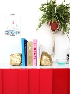 DIY bookends with rocks + spray paint | designlovefest  cool!!!