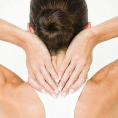 8 esercizi contro il dolore di collo e schiena  Il collo e la schiena fanno male? Con l'aiuto degli specialisti in ortopedia del Circuito della Salute di Bologna abbiamo individuato 8 esercizi per sciogliere le contratture