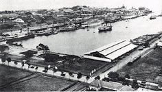 Tanjung Priuk in Jakarta. This is now a very busy sea port in Jakarta, hot and heavy traffic jam. The Government is now remodernize the port,,it would soon become the important hub in South East Asia. The giant is now ready to wake. Jakarta City, Art And Hobby, Dutch East Indies, The Old Days, Southeast Asia, Old Photos, Paris Skyline, Museum, History