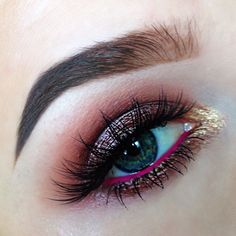 This is a beautiful eye shadow, but she looks like she has pink eye..
