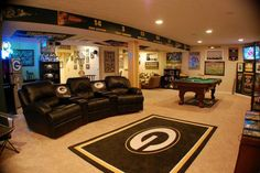 Turning Your Basement into the Ultimate Man Cave Can Be Fun - Man Cave Home Bar Man Cave Basement, Man Cave Garage, Basement Gym, Modern Basement, Garage Gym, Man Cave Diy, Man Cave Home Bar, Music Man Cave, Classy Man Cave