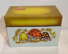 Vintage Metal Recipe Box with Mushroom - Oldies But Goodies, New Crafts, Photo Craft, Recipe Box, Vintage Metal, Twinkle Twinkle, Toy Chest, Thrifting, Stuffed Mushrooms