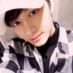 "1,228 Likes, 12 Comments - Wen Junhui [文俊辉] (@jun.seventeen) on Instagram: ""compare that! 준 already to your bias wrecker 사랑해 정말 ❤️~"""