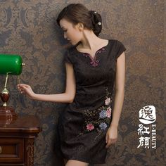 2012 black-and-white fashion short design cheongsam summer vintage cheongsam dress Vietnamese Traditional Dress, Traditional Chinese, Traditional Dresses, Cheongsam Modern, High Collar Dress, Chinese Dresses, Cheongsam Dress, Ao Dai, White Fashion