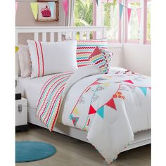 Grace 3-Pc. Twin Comforter Set (785 CNY) ❤ liked on Polyvore featuring home, bed & bath, bedding, comforters, multi, chevron comforter, striped comforter, stripe twin comforter set, chevron twin comforter and 3 piece comforter set