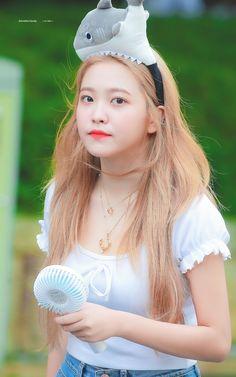 Seulgi, Red Velvet イェリ, Red Velvet Irene, Sooyoung, South Korean Girls, Korean Girl Groups, Red Velet, Peek A Boo, Kim Yerim