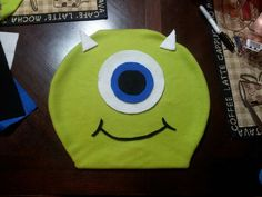 Mike Wazowski from Monster's Inc costume. Made from fleece & felt for less than $2.