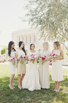 Neutral bridesmaids lined up in a pretty row Photography by alixannlooslephotography.com, Floral Design by fiorifloral.net