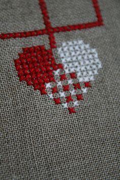 julekurv 123 Cross Stitch, Kawaii Cross Stitch, Easy Cross Stitch Patterns, Cross Stitch Books, Cross Stitch Heart, Simple Cross Stitch, Cross Stitch Flowers, Cross Stitch Designs, Cross Stitching
