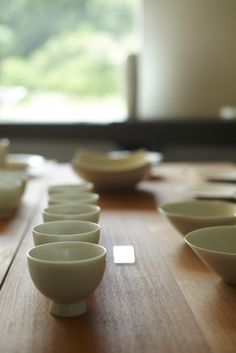 Akio Momota's in blue Studio specializes in white Arita porcelain.