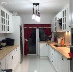 İki çocuk annesi İlknur hanım aynı zamanda kendi değimiyle mutfağının şefi.. Mutfak böyle güzel olunca, mutfakta zaman geçirmek de keyifli oluyor tabi. Mutfağını yaptırdığı süreçte oldukça kararsı...