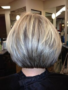 Blunt yet layered, texturized cut. If you want a natural new medium layered hair cuts from summer to fall, why not try these medium layered hair cuts hair styles or colors? There are a ton of options for you to choose. Short Hair With Layers, Short Hair Cuts, Short Hair Styles, Layered Bob Thick Hair, Layered Bob Hairstyles, Short Bob Haircuts, Stacked Bob Haircuts, Hair Today, Fine Hair