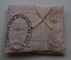 pellavatyyny pitsireunuksella ja printillä, shamalo (hattaran vaaleanpunainen), 65x65cm (out of stock)