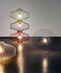 The Sketch Lighting Collection  Les designers du Studio Beam ont pensé tout une collection de luminaires qui peuvent être suspendus ou posés sur le sol. « The Sketch » réunit des lampes élégantes, faites à la main, aux lignes délicates et au design épuré. #fubiz