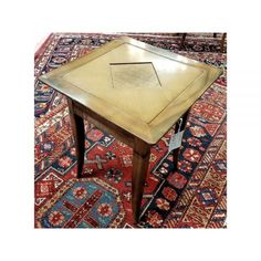Square lamp table with inlaid reed detailing. Lamp Table, Furniture, Home Decor, Interior Design, Home Interior Design, Table Lamp, Arredamento, Home Decoration, Decoration Home