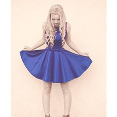(FC: dove cameron ) I am Alice and I am human and a princess I went on A walk in the woods and ended here I get scared really easy I am 14 and want to get out of here (introduce? Liv Et Maddie, Dove Cameron Style, Looks Teen, Disney Stars, Cloud 9, Love Fashion, Celebrity Style, Cute Outfits, Chanel