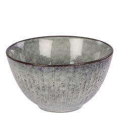 Skål från Broste Copenhagen med en klassisk skandinavisk design. Härligt komplement till hemmet. Dish Storage, Art Studios, Decorative Bowls, Pottery, Komplement, China, Ceramics, Tableware, Home Decor