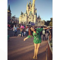 30 Photo Of Neha Sharma Cutest Bollywood Actress Selfies Hot Actresses, Beautiful Actresses, Bollywood Celebrities, Bollywood Actress, Mount Carmel School, Actress Feet, Mohit Suri, Nidhi Agarwal, Neha Sharma
