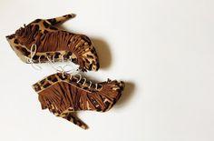 botine peep-toe cu franjuri piele par ponei toc stiletto: 10cm platforma ascunsa: 1,5cm pret: 350 RON pt comenzi: incaltamintedinpiele@gmail.com Peeps, Peep Toe