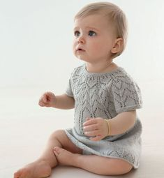 Ravelry: 05 Robe Top Down - - 457 pattern by Phildar Design Team Baby Knitting Patterns, Knitting For Kids, Crochet For Kids, Baby Patterns, Handmade Baby Clothes, Knitted Baby Clothes, Toddler Dress, Baby Dress, Baby Pullover