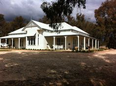 Our photo gallery shows our beautiful Harkaway Homes - Classic Victorian and Early Federation Verandah homes Victorian Style Homes, Victorian Farmhouse, Victorian Terrace, Georgian Homes, House Front, My House, Farm House, House Plans Australia, Weatherboard House