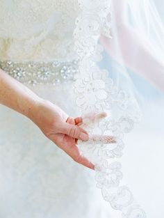 Love the wedding veil lace trim, hopefully I can wear my mums which is like this.