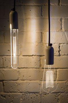 Sturlesi é um estúdio de design de Tel-Aviv que criou uma coleção de lâmpadas decorativas muito peculiar, a iLLuminite.