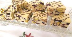 I love nougat and this recipe is quick to make and tastes delicious! Christmas Lunch, Christmas Cooking, Christmas Goodies, Christmas Recipes, Christmas Ideas, Cheesecake Desserts, Just Desserts, Dessert Recipes, Nougat Recipe